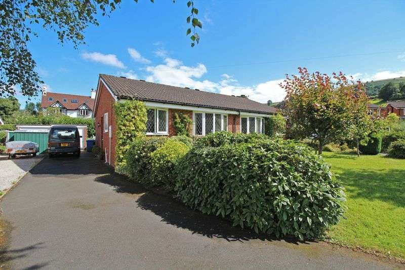 2 Bedrooms Semi Detached Bungalow for sale in Maes Collen, Llangollen