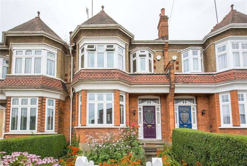 3 Bedrooms Terraced House for sale in Long Lane, Finchley, London, N3
