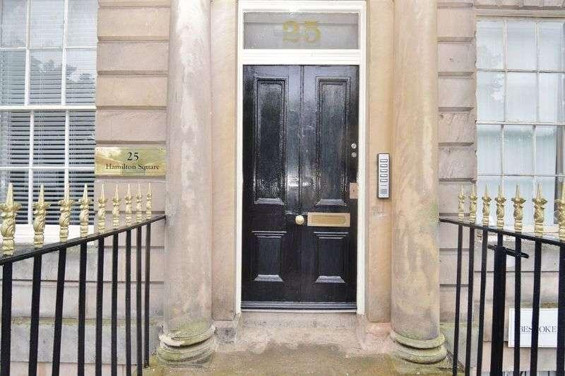2 Bedrooms Flat for sale in Hamilton square, Birkenhead