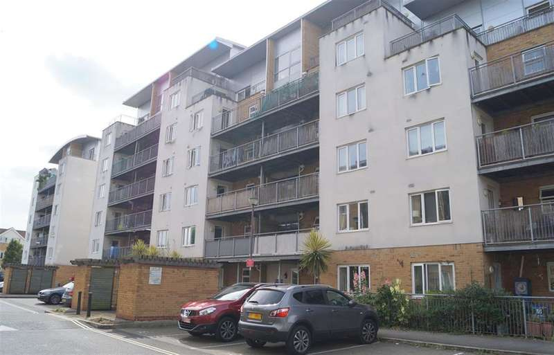 3 Bedrooms Flat for sale in Primrose Place, Isleworth, Middlesex, TW7