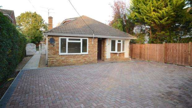 4 Bedrooms Detached Bungalow for sale in Wood Street, Ash Vale, Surrey