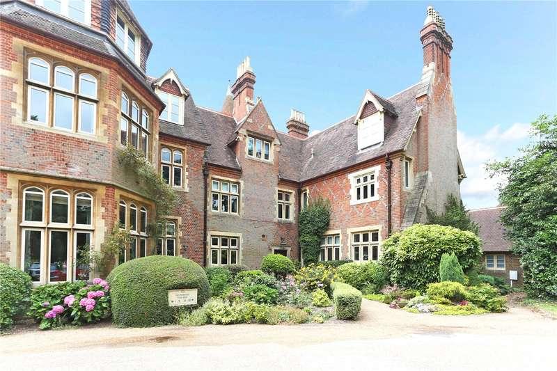2 Bedrooms Flat for sale in Grenehurst Park, Capel, Dorking, Surrey, RH5