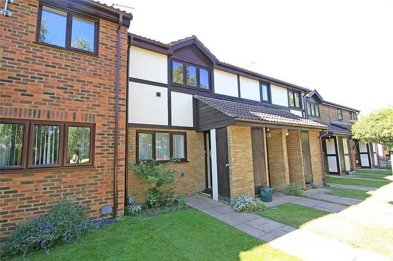1 Bedroom Maisonette Flat for sale in Briar Walk, West Byfleet, Surrey, KT14