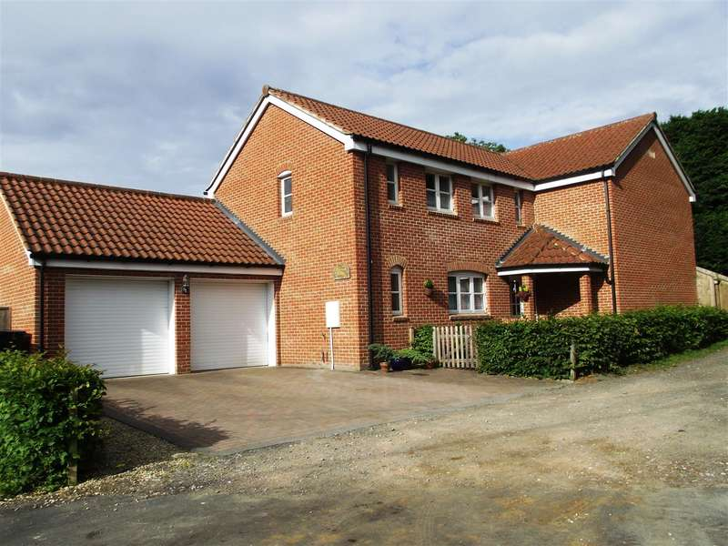 4 Bedrooms Property for sale in Kings Road, Easterton, Devizes