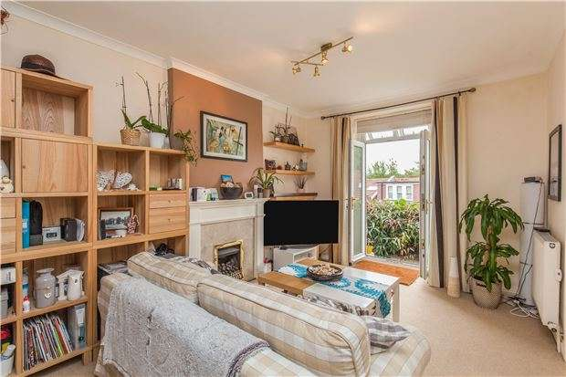 2 Bedrooms Flat for sale in Claremont Road, Garden flat, BRISTOL, BS7 8DH