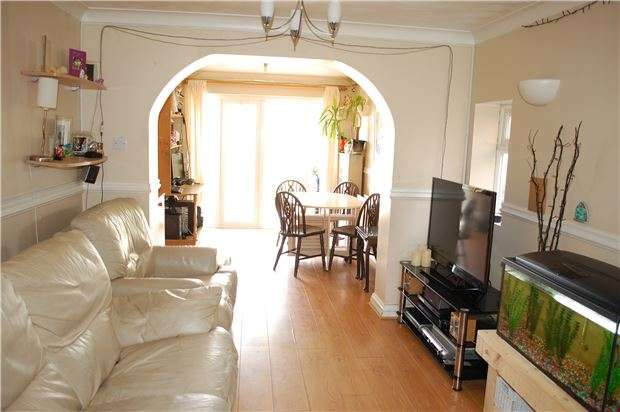 3 Bedrooms Semi Detached House for sale in Westminster Close, EASTBOURNE