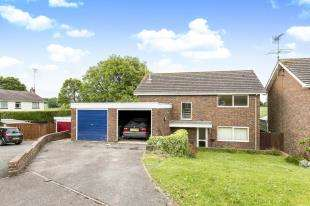 4 Bedrooms Detached House for sale in Maplehurst Road, Chichester, West Sussex, England