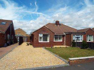 2 Bedrooms Bungalow for sale in Hazel Road, Bognor Regis, West Sussex