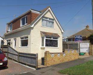 3 Bedrooms Bungalow for sale in Lincoln Avenue, Peacehaven, East Sussex