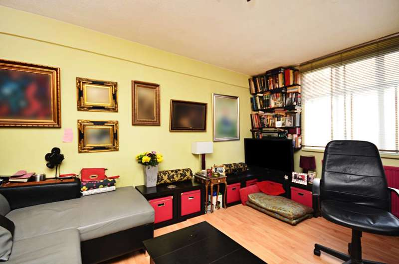 1 Bedroom Flat for sale in Shepherds Bush Green, Shepherd's Bush, W12