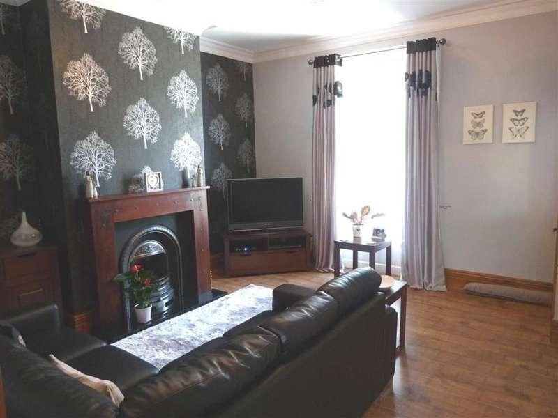 3 Bedrooms Property for sale in 124, Scar Lane, Milnsbridge, Huddersfield
