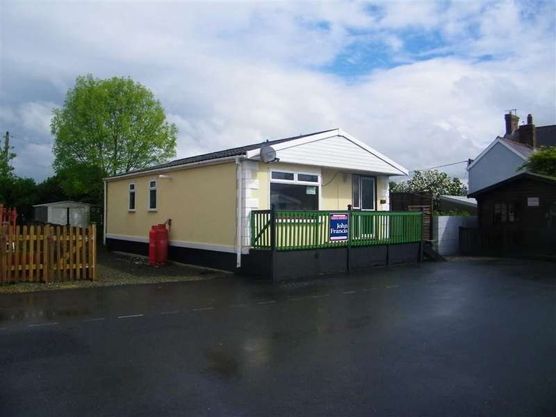 3 Bedrooms Property for sale in Willow Park, Whitland, Carmarthenshire