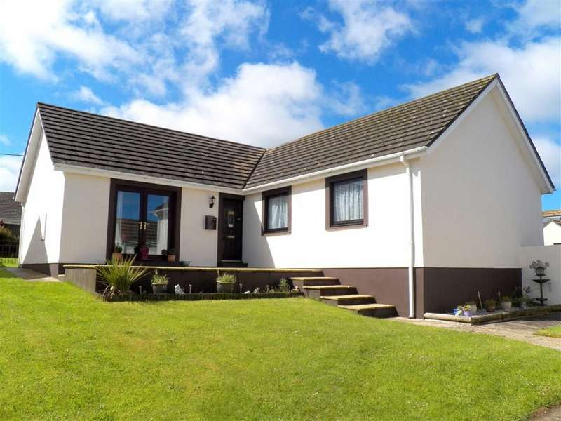 3 Bedrooms Property for sale in Castle View, Simpson Cross, Haverfordwest
