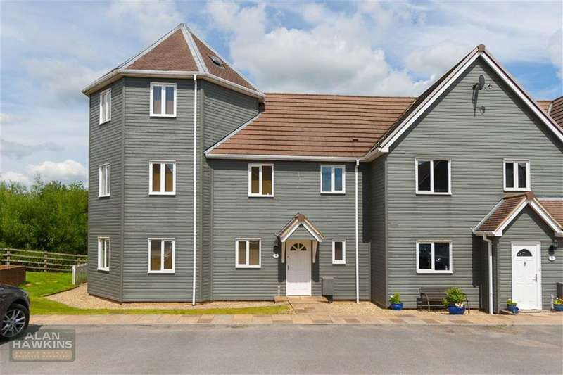 4 Bedrooms Property for sale in Lakes View, Wiltshire Leisure Village, Royal Wootton Bassett