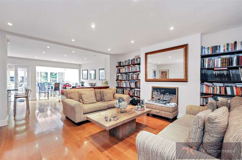 3 Bedrooms Flat for sale in Buckland Crescent, Belsize Park, NW3