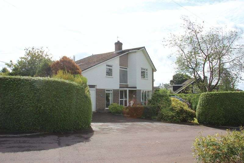 4 Bedrooms Detached House for sale in St Arvans, Chepstow