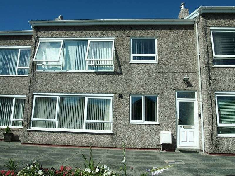 2 Bedrooms Flat for sale in Old Hall Close, Morecambe