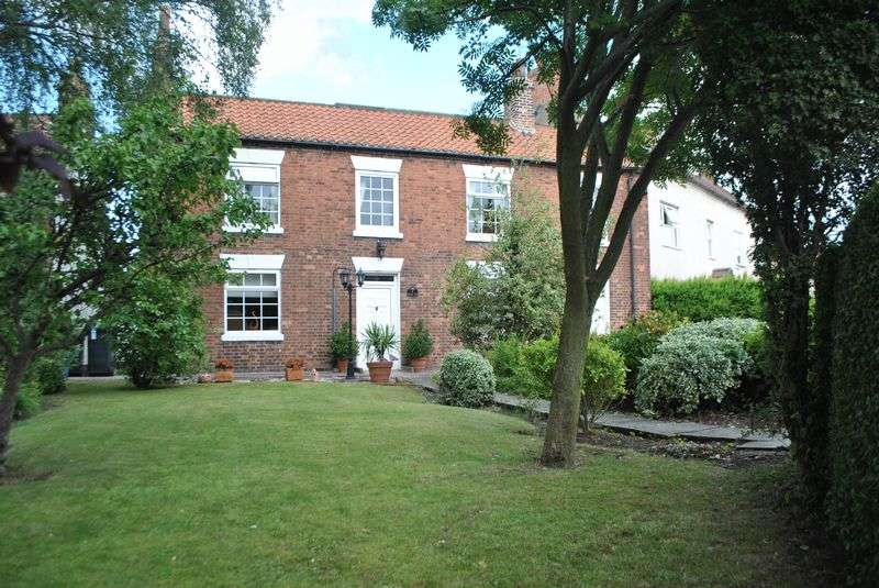 3 Bedrooms Detached House for sale in Belle Vue, York Road, Riccall