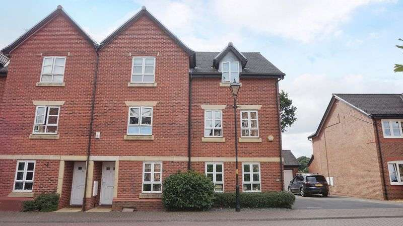 4 Bedrooms House for sale in Springbank Gardens, Lymm