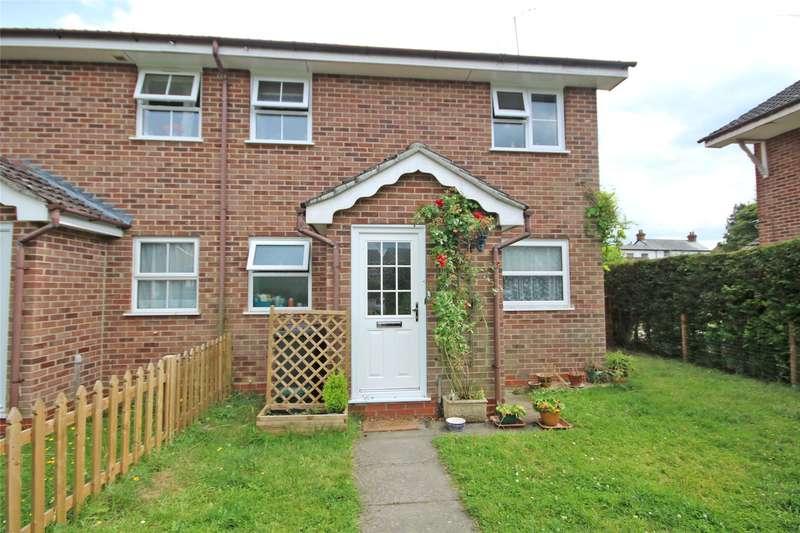 1 Bedroom Maisonette Flat for sale in Vernon Close, Ottershaw, Chertsey, Surrey, KT16