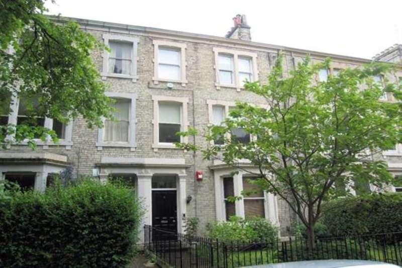 3 Bedrooms Flat for rent in Granville Road, Jesmond, Newcastle Upon Tyne, NE2