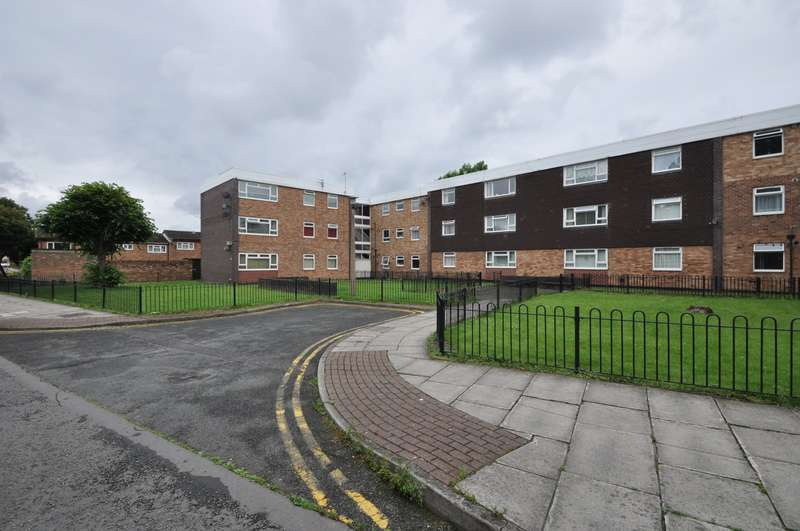 2 Bedrooms Flat for sale in North Park Court, Wallasey