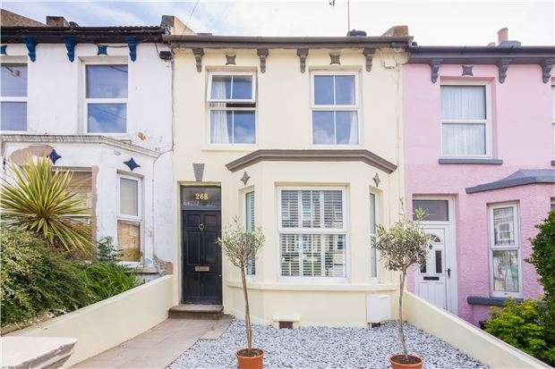 3 Bedrooms Terraced House for sale in Harold Road, HASTINGS, East Sussex, TN35 5NG