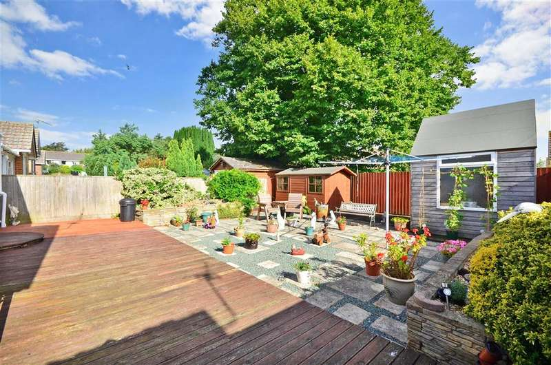 2 Bedrooms Semi Detached Bungalow for sale in Hildyards Crescent, Shanklin, Isle of Wight
