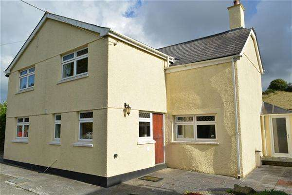 4 Bedrooms Detached House for sale in St Stephen, Cornwall, PL26