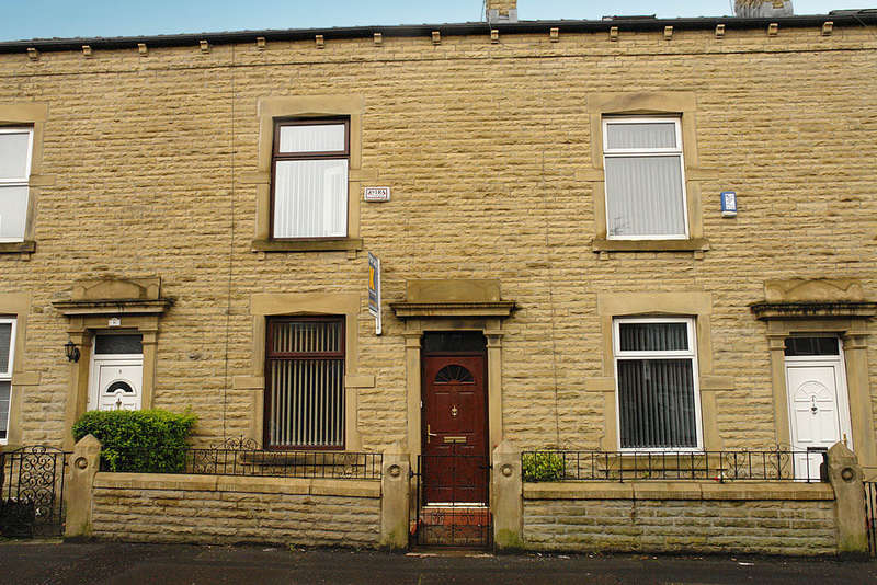 3 Bedrooms Terraced House for sale in 6 Charlotte Street, Rochdale