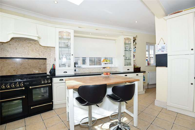 4 Bedrooms Bungalow for sale in Micawber Avenue, Hillingdon, Middlesex, UB8
