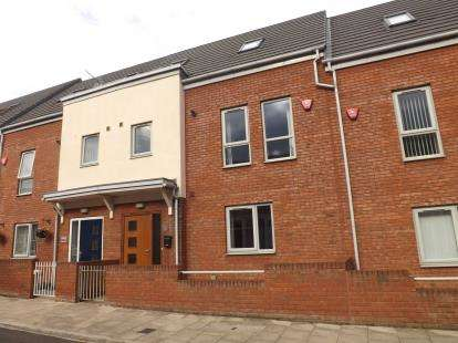 3 Bedrooms Terraced House for sale in Bolingbroke Street, South Shields, Tyne and Wear, NE33