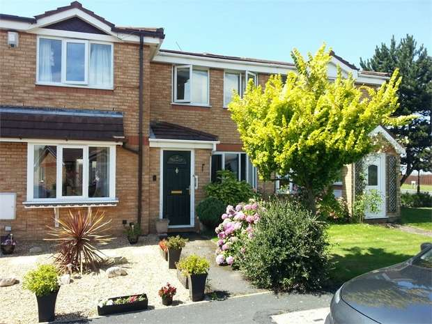 2 Bedrooms Terraced House for sale in The Hawthorns, Lytham St Annes, Lancashire