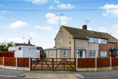 2 Bedrooms Semi Detached House for sale in Rochford, Essex