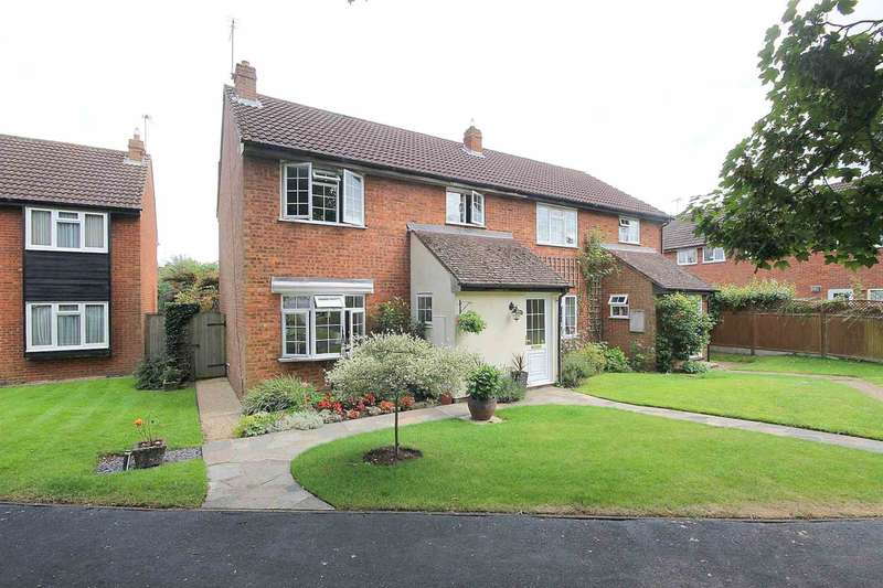 4 Bedrooms Semi Detached House for sale in Dinmore, Bovingdon