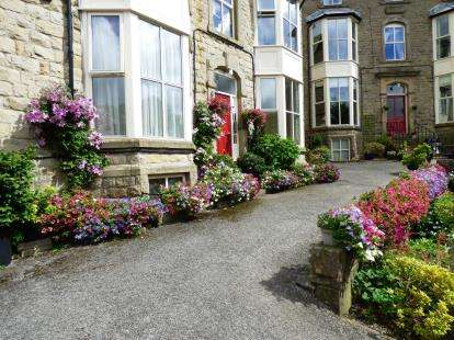 2 Bedrooms Flat for sale in Pavilion Mansions, Hartington Road, Buxton, Derbyshire