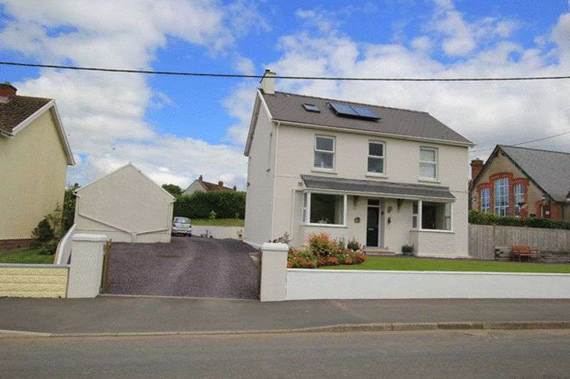 4 Bedrooms Detached House for sale in MEIDRIM, CARMARTHEN