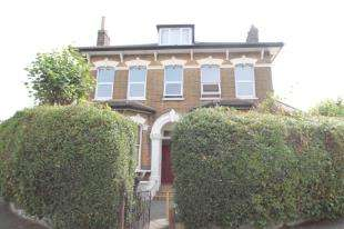 2 Bedrooms Flat for sale in Oval Road, Croydon