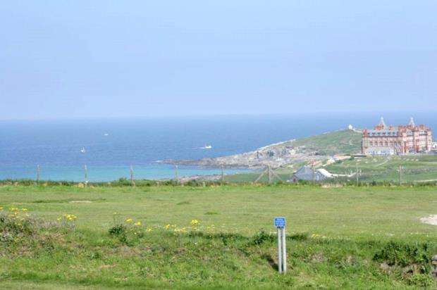 5 Bedrooms Detached House for sale in Pentire Road, Newquay, Cornwall