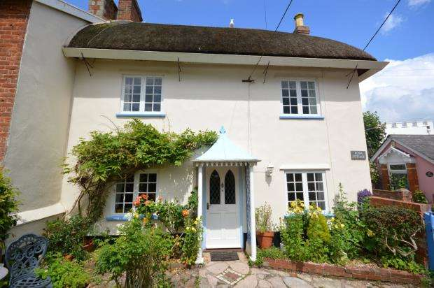 3 Bedrooms End Of Terrace House for sale in Coburg Road, Sidmouth, Devon