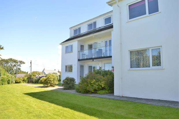 2 Bedrooms Flat for sale in Boskenza Court, Carbis Bay, St Ives, Cornwall