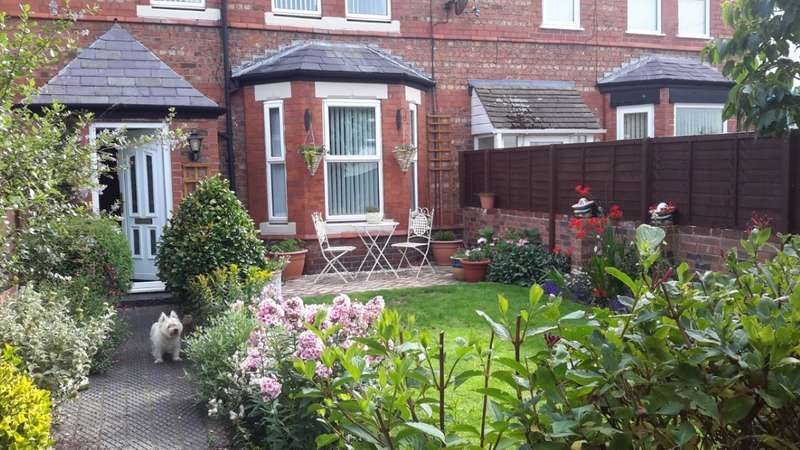 3 Bedrooms Terraced House for sale in Lake Place, Hoylake