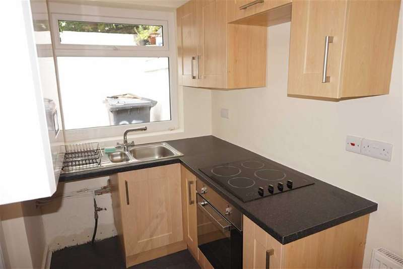 2 Bedrooms Property for sale in Alice Street, Darwen, Lancashire