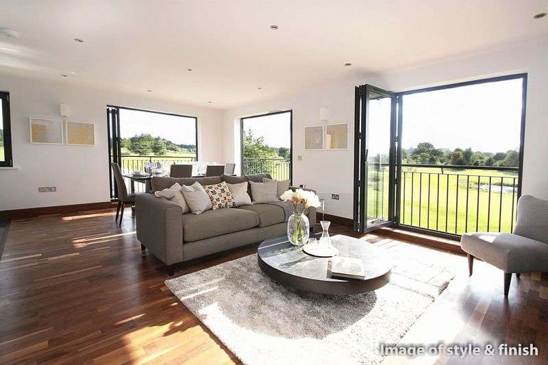 3 Bedrooms Flat for sale in Woolston Manor Apartments, Chigwell