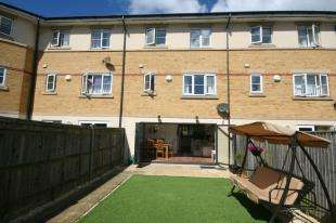 4 Bedrooms Town House for sale in Eugene Way, Eastbourne, East Sussex