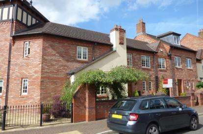 4 Bedrooms Semi Detached House for sale in Butts Green, Kingswood, Warrington, Cheshire