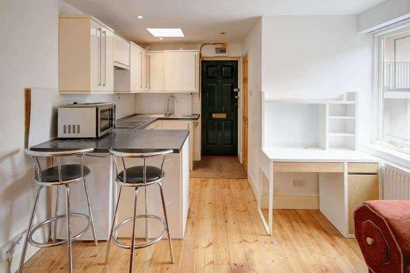 1 Bedroom Flat for sale in Northernhay Street, Exeter