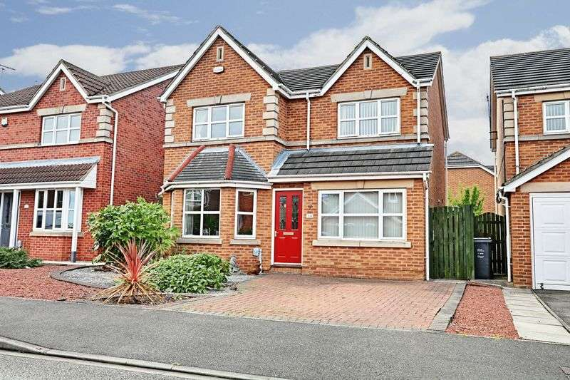 3 Bedrooms Detached House for sale in Raleigh Drive, Hull