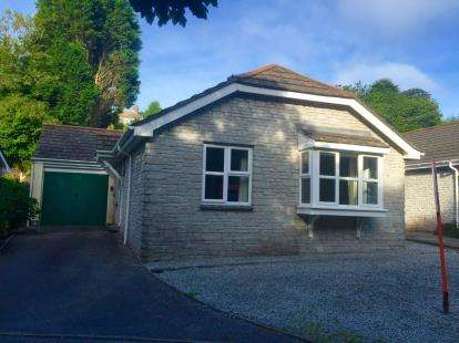 3 Bedrooms Bungalow for sale in Budock Water, Falmouth, Cornwall