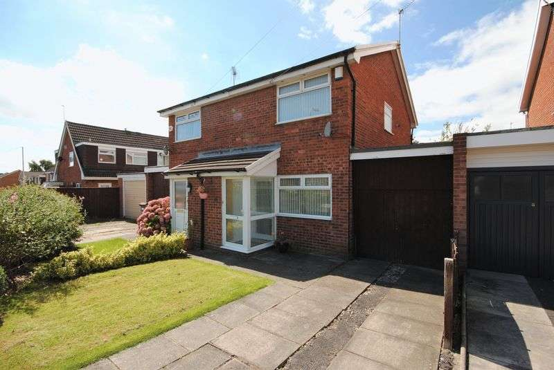 2 Bedrooms Semi Detached House for sale in Kingfisher Way, Saughall Massie